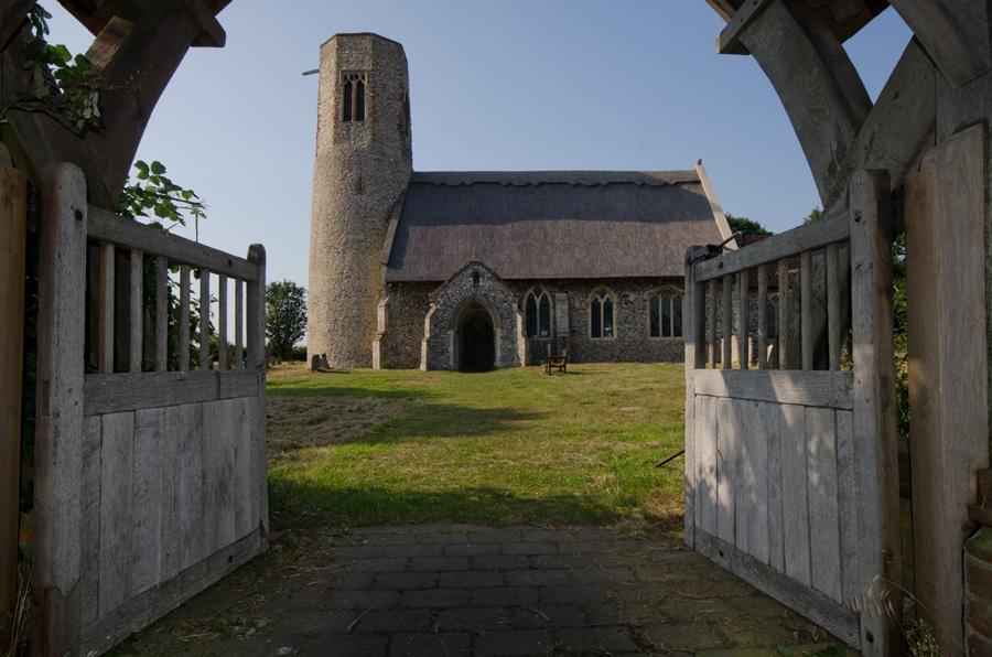 gallery_churches_32_All_Saints_Lychgate_Edingthorpe