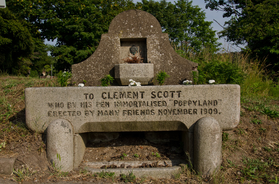 gallery_literary_11_Clement_Scott_Memorial_Sidestrand